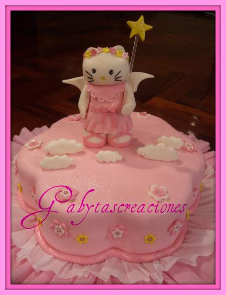 TORTA DECORADA CON HELLO KITTY ANGEL MODELADA A MANO, TOTALMENTE ...